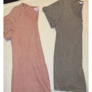 *Set of 2* LulaRoe Classic T Top. XL. 100% Cotton